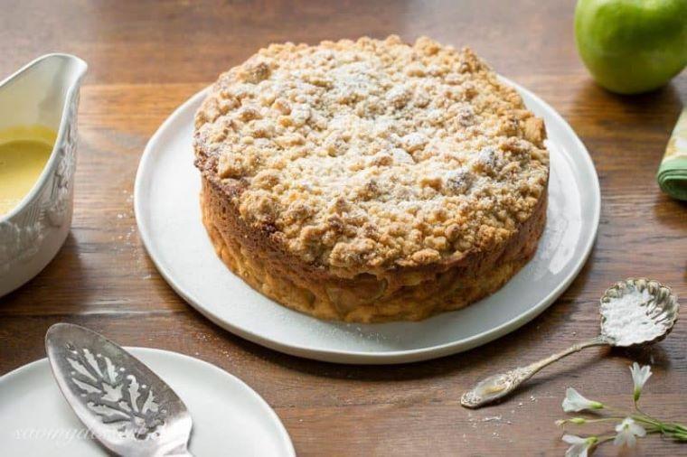 Irish Apple Crumble Cake